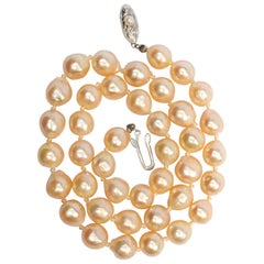 South Sea Pearl Necklace is Early Example of Cultured South Sea Pearls