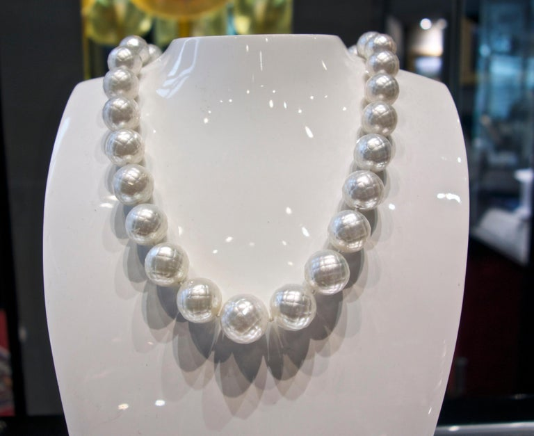 South Sea Pearls facetted and Distinctive with a Diamond Clasp   For Sale 1