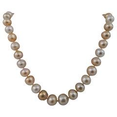 South Sea Pearls Natural Color, 18 Karat Gold