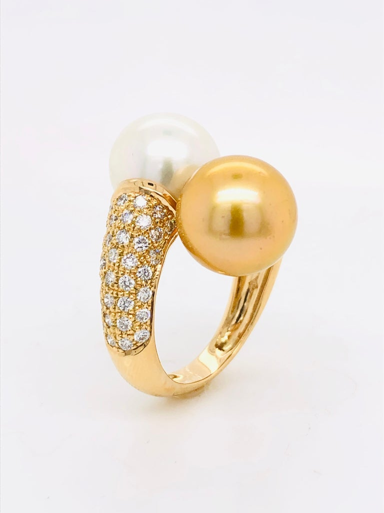 Brilliant Cut South Sea Pearls with White Diamonds on Gold 18 Carat Ring For Sale