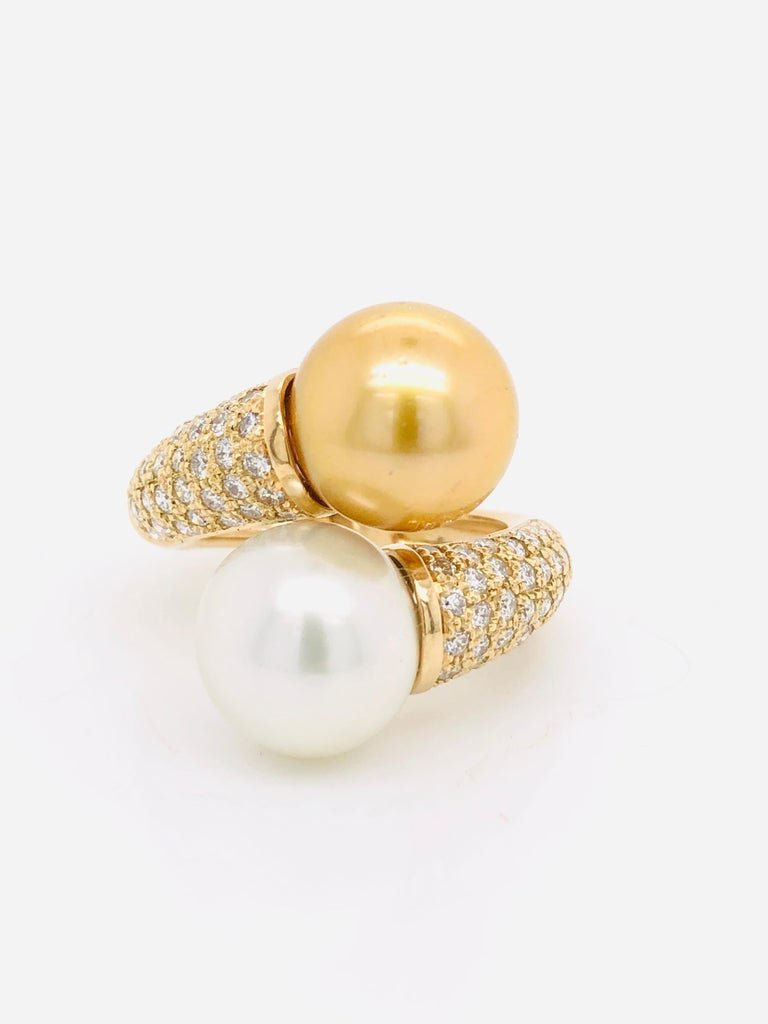 Women's South Sea Pearls with White Diamonds on Gold 18 Carat Ring For Sale