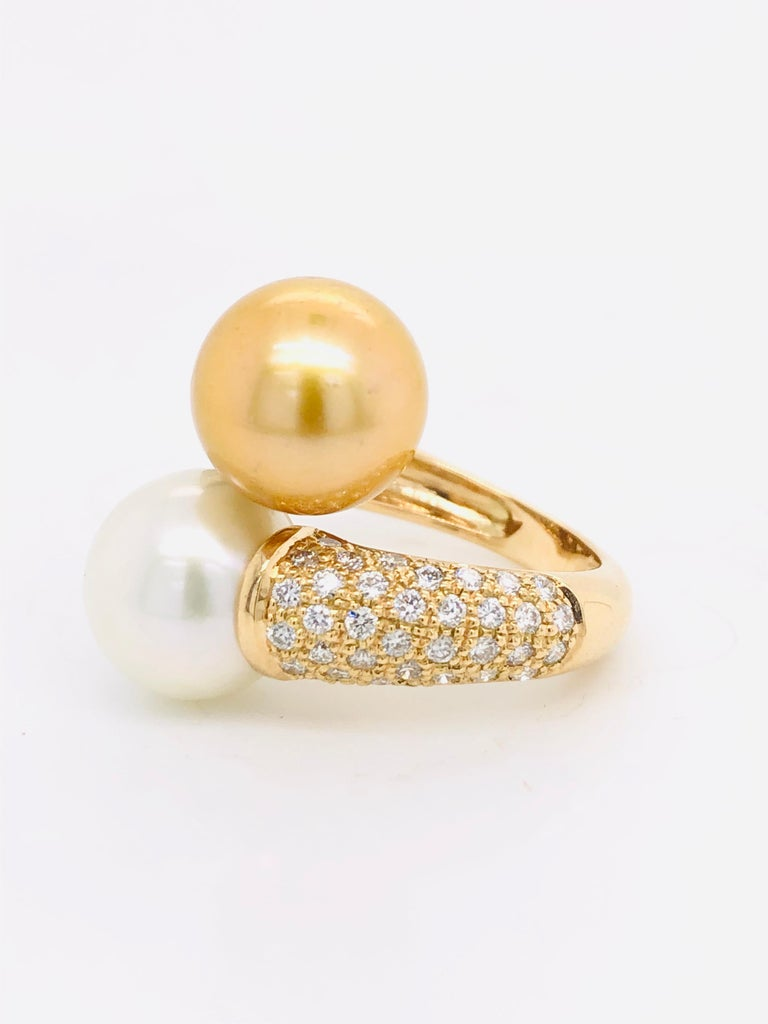 South Sea Pearls with White Diamonds on Gold 18 Carat Ring For Sale 1