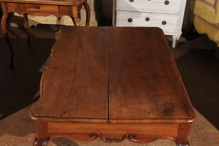 Southwestern French 1730s Louis XV Fruitwood Crossbow Writing Table with Drawer For Sale 7