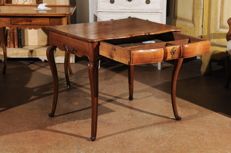 Southwestern French 1730s Louis XV Fruitwood Crossbow Writing Table with Drawer For Sale 1