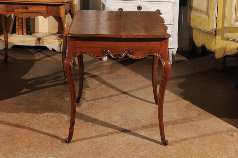 Southwestern French 1730s Louis XV Fruitwood Crossbow Writing Table with Drawer For Sale 3