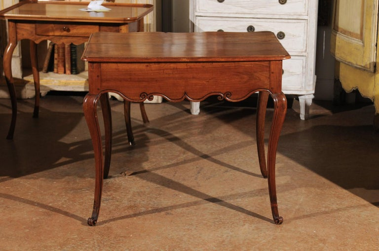 Southwestern French 1730s Louis XV Fruitwood Crossbow Writing Table with Drawer For Sale 4
