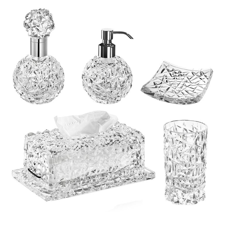 This precious and sophisticated set comprises five pieces that will infuse elegance in any bathroom. Functional and decorative, this set is made of transparent glass adorned with a superb textural decoration, and is part of the Spa Sinfonia. It
