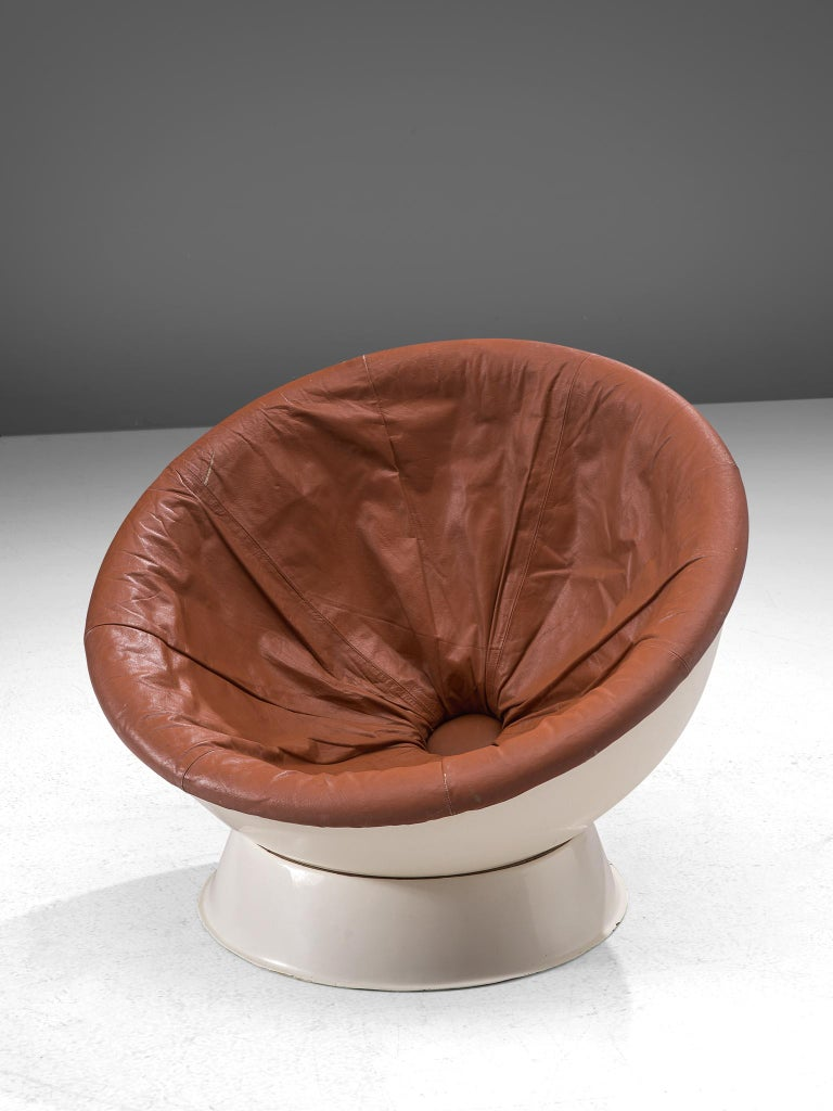Mid-Century Modern Space Age Ball Chair in White Resin and Brown Leather For Sale