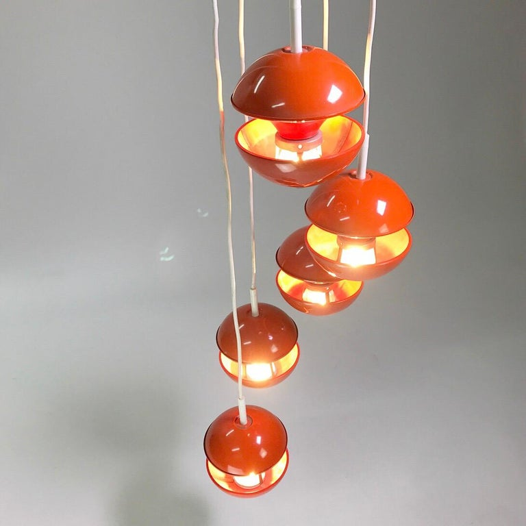 Scandinavian Modern Space age chandelier by Klaus Hempel for Kaiser Leuchten, Germany 1972. For Sale