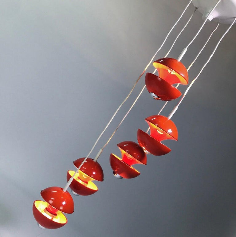 Lacquer Space age chandelier by Klaus Hempel for Kaiser Leuchten, Germany 1972. For Sale