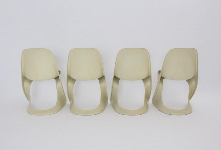 Late 20th Century Space Age Four White Vintage Plastic Dining Chairs Alexander Begge, 1971 For Sale