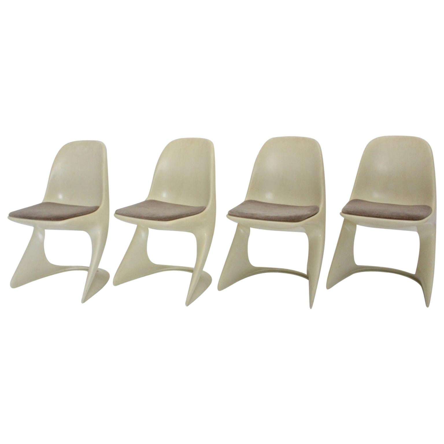 Space Age Four White Vintage Plastic Dining Chairs Alexander Begge, 1971
