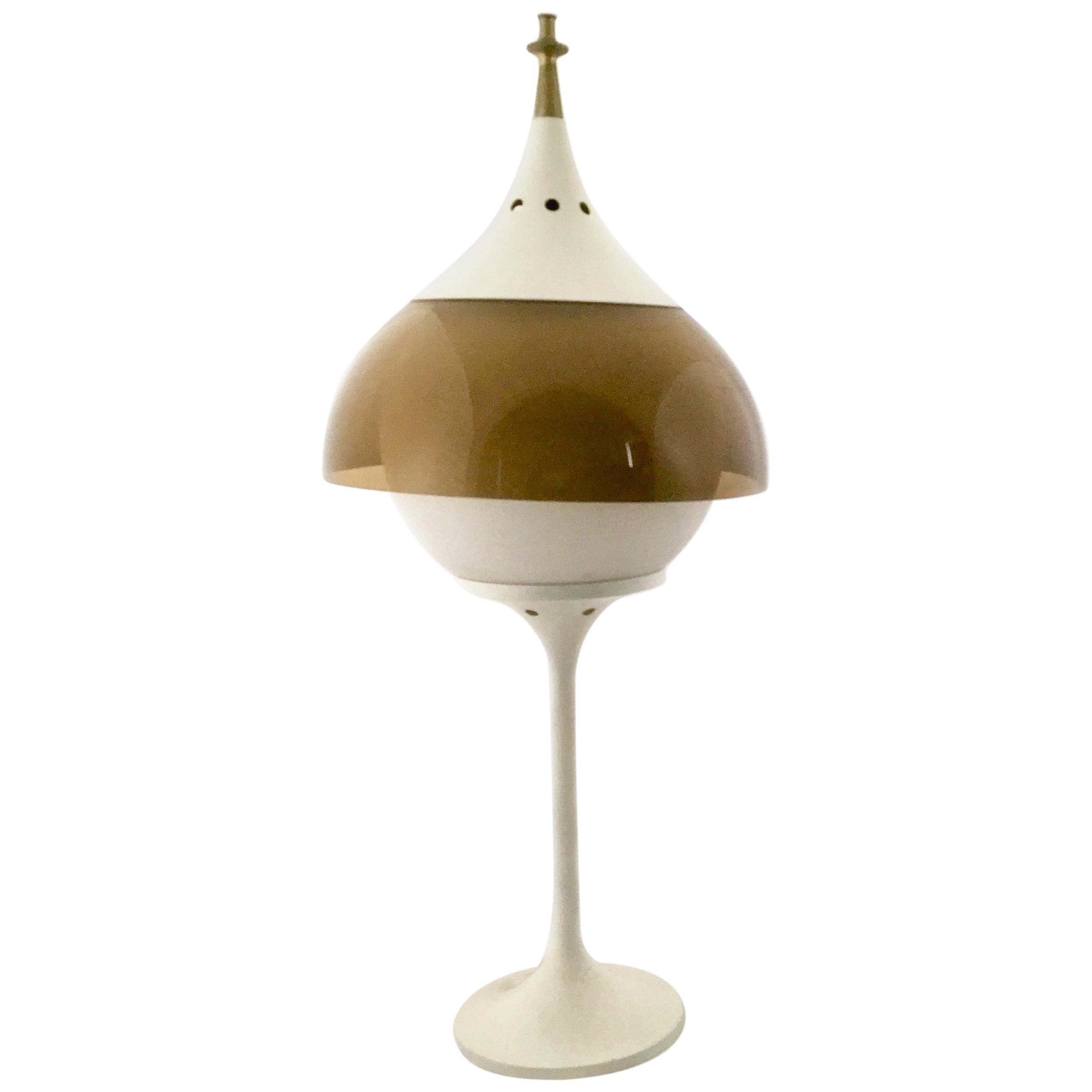 Space Age Plexiglass and White Varnished Metal Table Lamp, Italy, 1970s