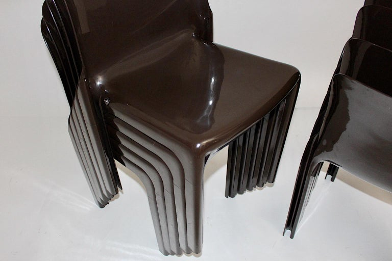 Space Age Set of Ten Vintage Brown Plastic Dining Chairs Vico Magistretti, Italy For Sale 11