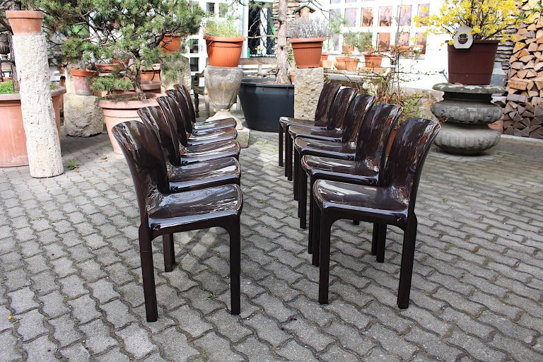 Space Age Set of Ten Vintage Brown Plastic Dining Chairs Vico Magistretti, Italy In Good Condition For Sale In Vienna, AT