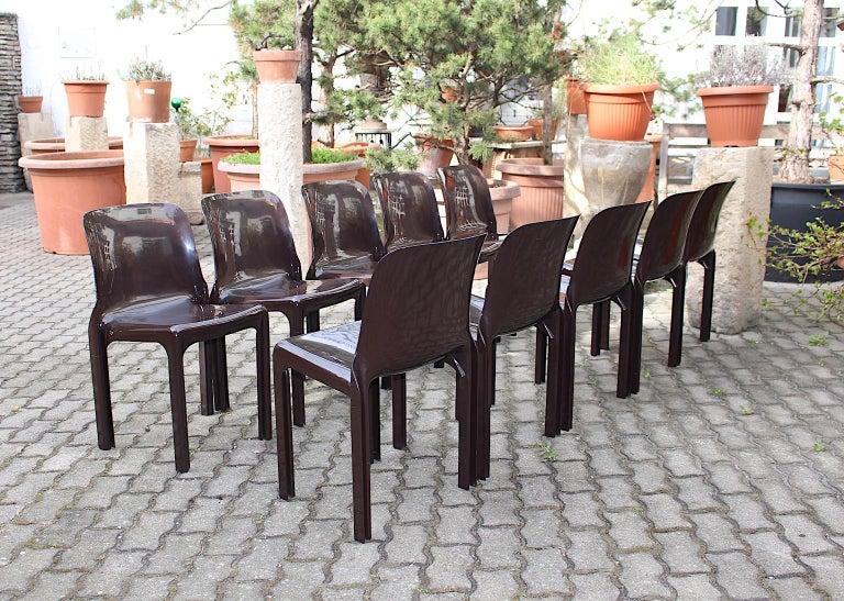 20th Century Space Age Set of Ten Vintage Brown Plastic Dining Chairs Vico Magistretti, Italy For Sale
