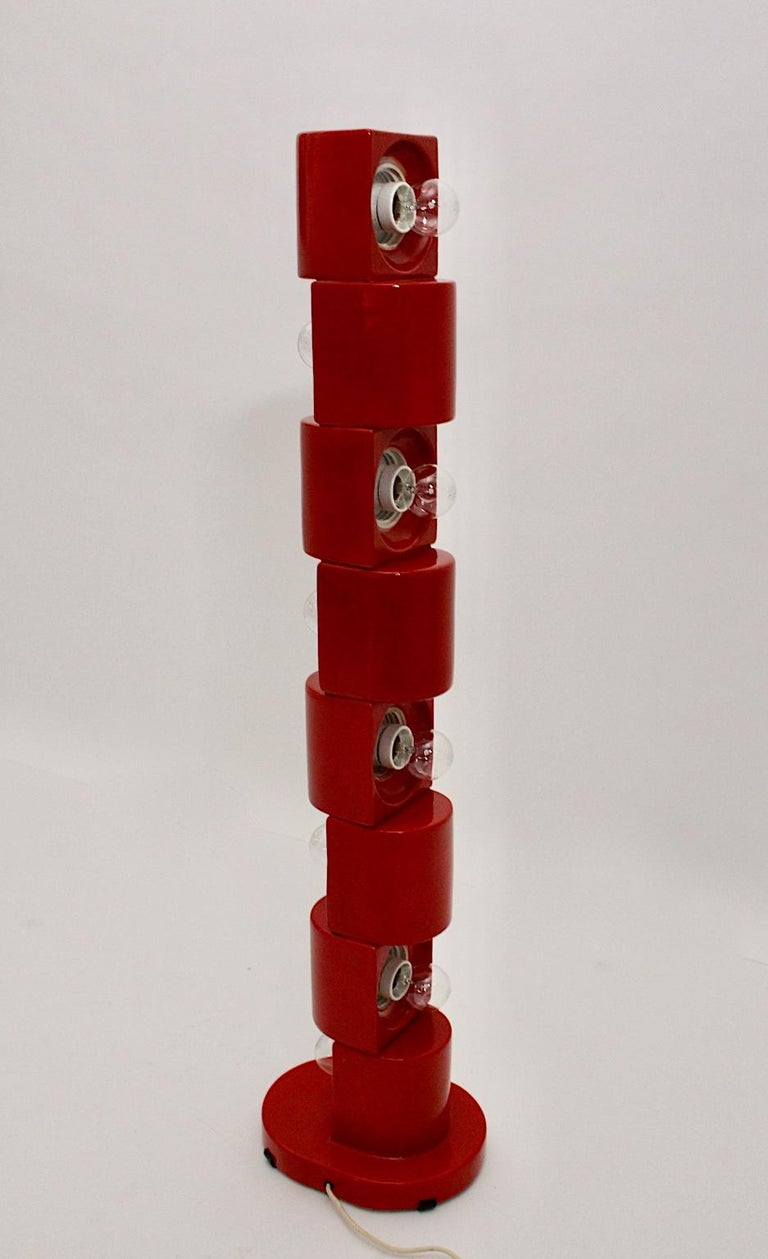Space Age Vintage Red Ceramic Totem Floor Lamp, 1960s, Italy For Sale 3