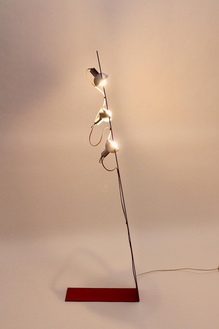 Space Age Vintage Red Metal Floor Lamp, Italy, 1960s For Sale 1