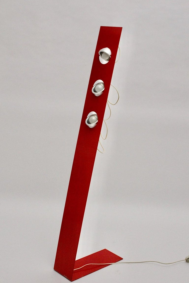 Space Age Vintage Red Metal Floor Lamp, Italy, 1960s For Sale 2