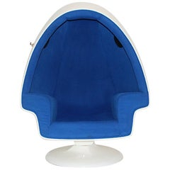 Space Age White Blue Vintage Swiveling Fiberglass Egg Lounge Chair, 1970s, USA