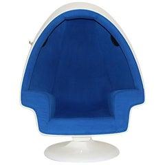 Space Age White Blue Vintage Swiveling Fiberglass Egg Lounge Chair, 1970s, USA