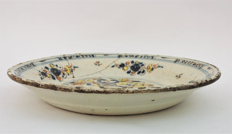 Spanish 17th Century Ceramic Circular Charger Plate, Talavera or Puente For Sale 2