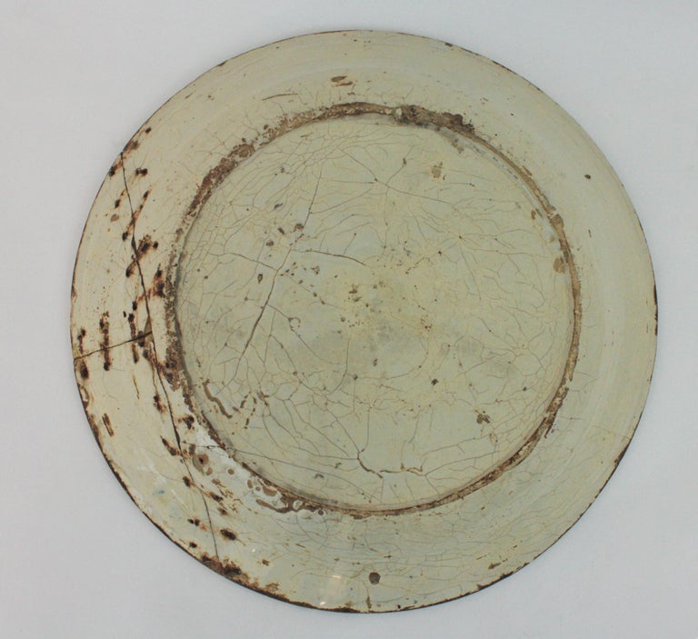Spanish 17th Century Ceramic Circular Charger Plate, Talavera or Puente For Sale 4