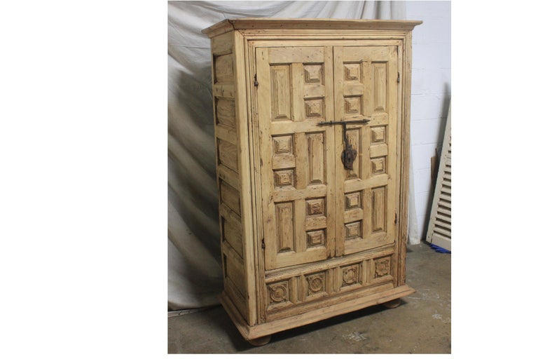 Spanish 18th Century Small Wardrobe For Sale 3