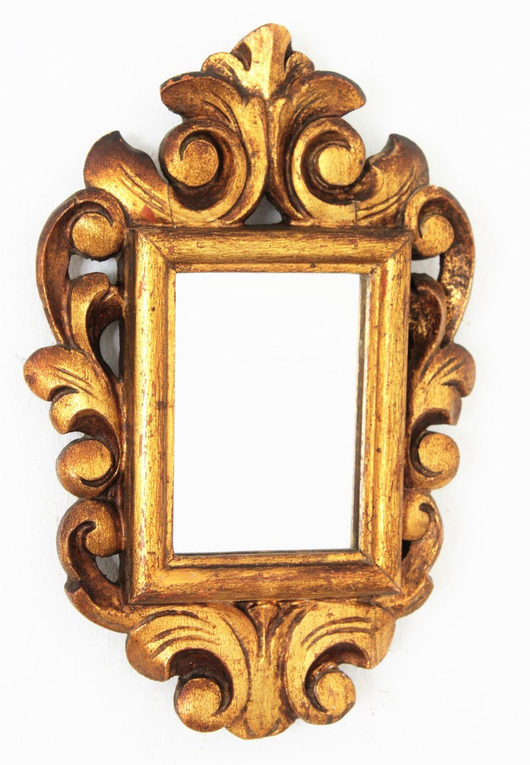 French Spanish 1920s Baroque Style Carved Giltwood Wall Mirror Miniature For Sale