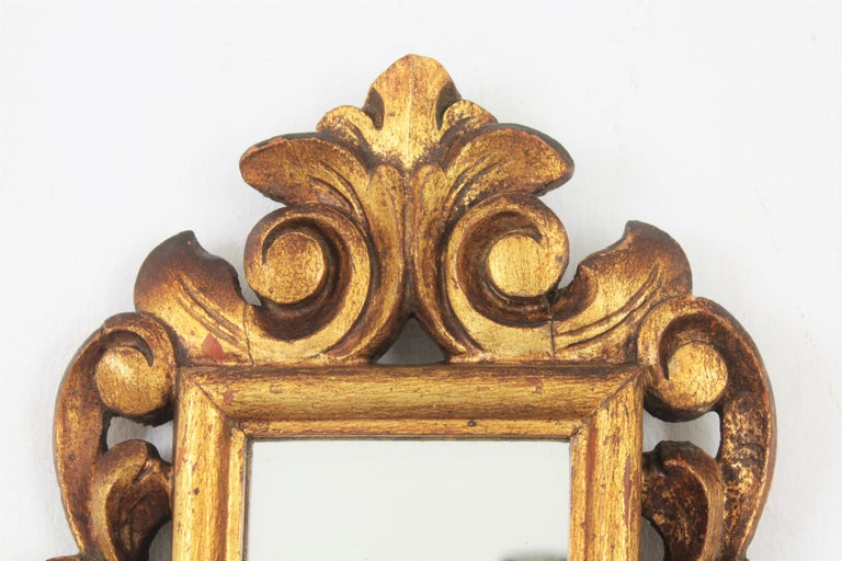 20th Century Spanish 1920s Baroque Style Carved Giltwood Wall Mirror Miniature For Sale