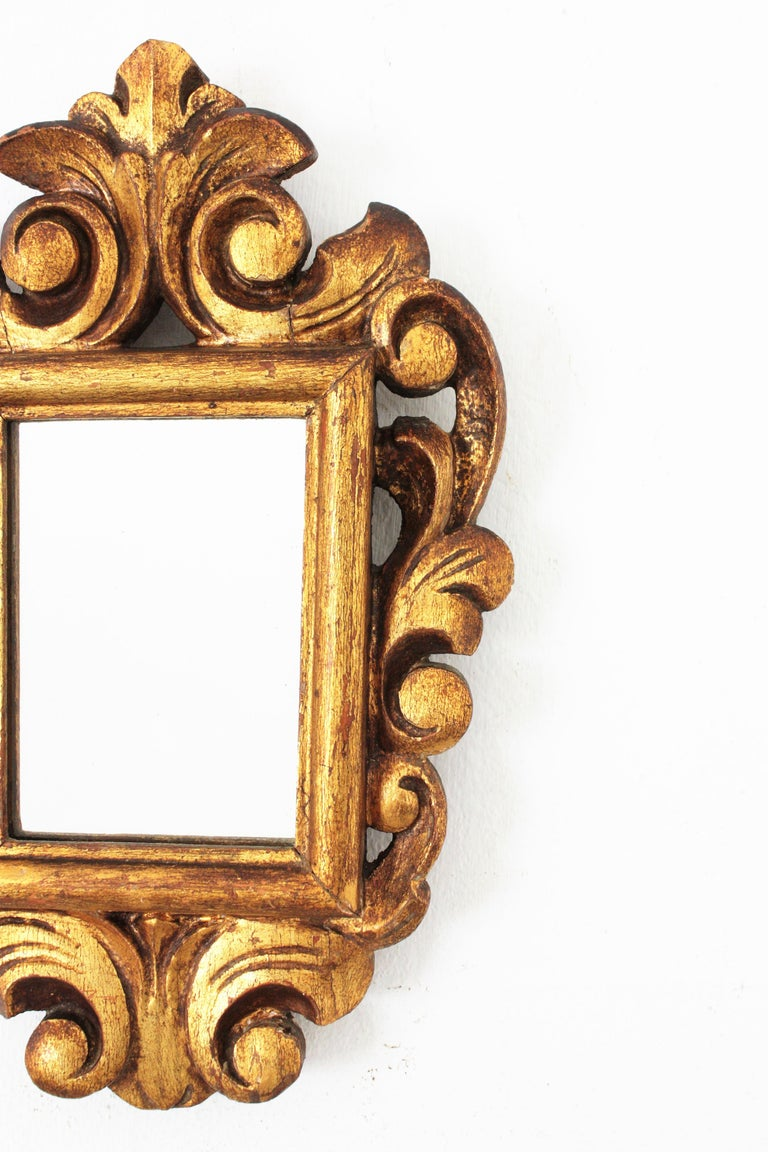 Spanish 1920s Baroque Style Carved Giltwood Wall Mirror Miniature For Sale 2