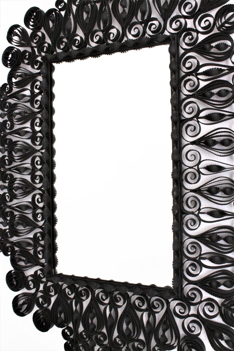 Spanish 1940s Gothic Revival Ornate Scrolled and Twisted Wrought Iron Mirror In Excellent Condition For Sale In Barcelona, ES