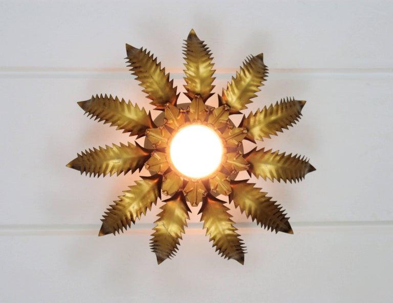 Spanish 1950s Brutalist Gilt Metal Leafed Sunburst Ceiling Light Fixture In Excellent Condition For Sale In Barcelona, ES