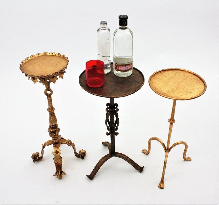 Spanish 1960s Hand-Hammered Gilt Iron Guéridon Drinks Table / Pedestal For Sale 6