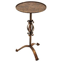Spanish 1960s Hand-Hammered Gilt Iron Guéridon Drinks Table / Pedestal