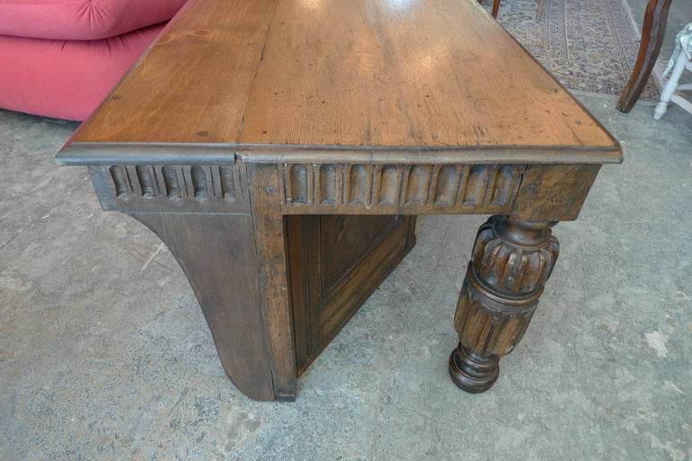 Spanish 19th Century Carved Walnut Coffee Table with Small Storage Compartment For Sale 2