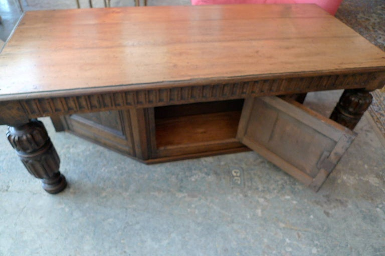 Spanish 19th Century Carved Walnut Coffee Table with Small Storage Compartment For Sale 4