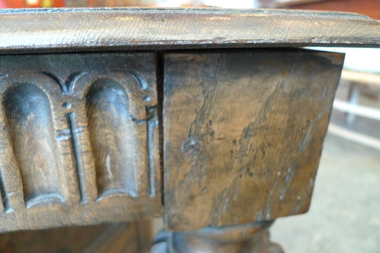 Spanish 19th Century Carved Walnut Coffee Table with Small Storage Compartment For Sale 5