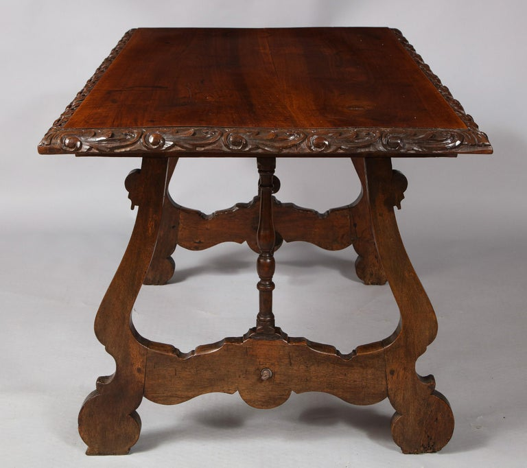 Spanish Baroque Walnut Table In Good Condition For Sale In New York, NY
