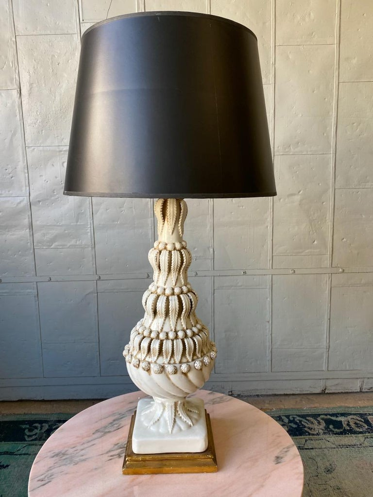 Spanish Ceramic Table Lamp In Good Condition For Sale In Buchanan, NY