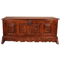 Spanish Chest from the Early 17th Century in Oak from the Kingdom of Castille