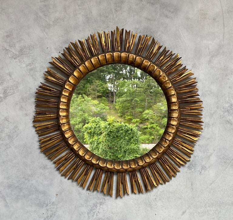 Spanish Giltwood Sunburst Mirror In Good Condition For Sale In Buchanan, NY