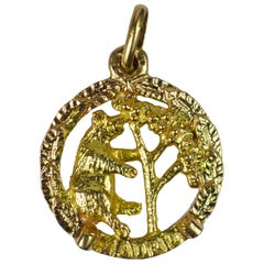 Spanish Madrid Bear Strawberry Tree Yellow Gold Charm Pendant