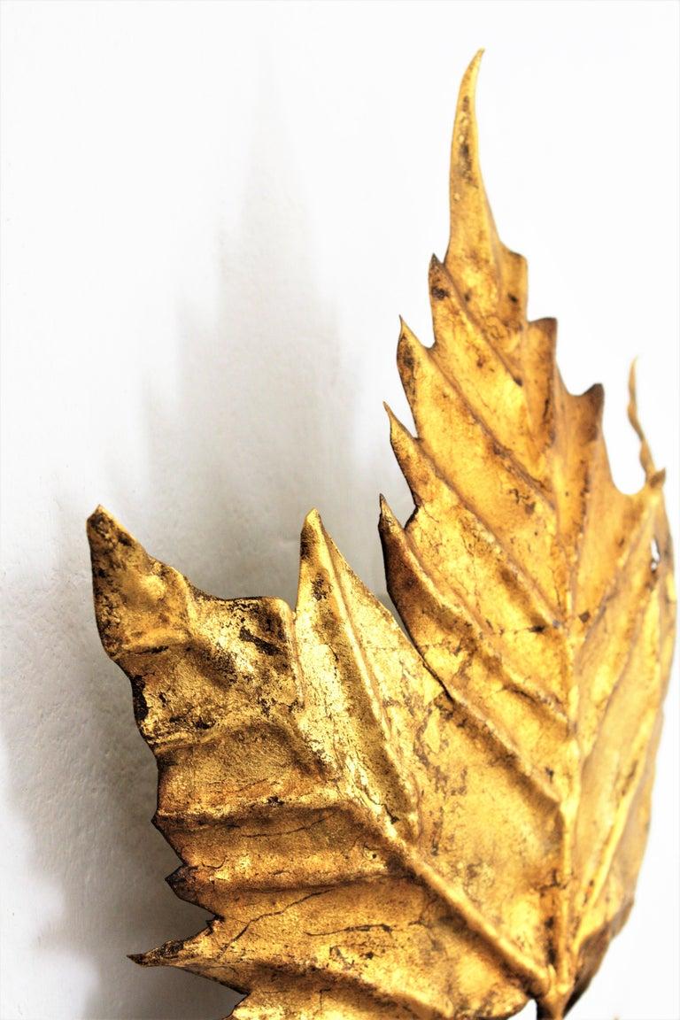 Spanish Mid-Century Modern Gold Leaf Gilt Iron Leaf Design Wall Light Fixture For Sale 5
