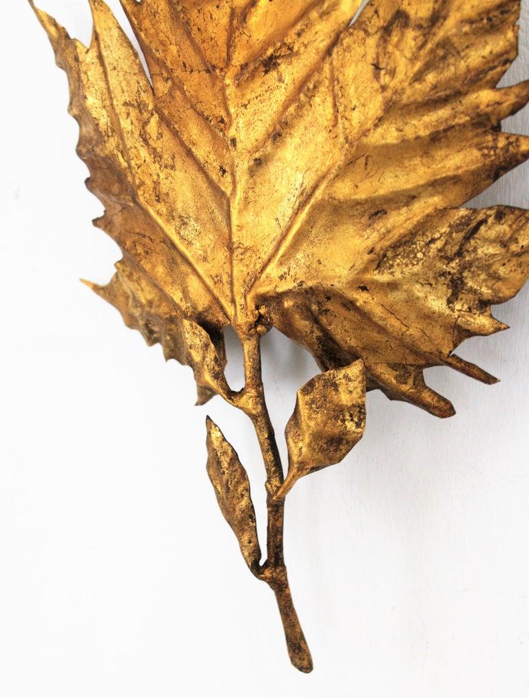 Spanish Mid-Century Modern Gold Leaf Gilt Iron Leaf Design Wall Light Fixture For Sale 7