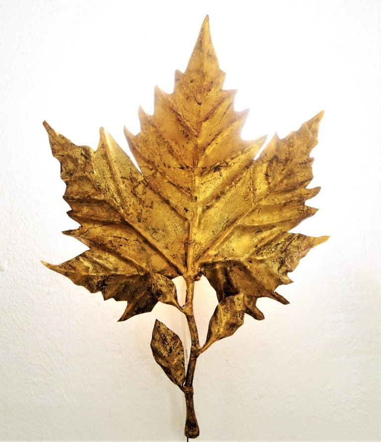 Spanish Mid-Century Modern Gold Leaf Gilt Iron Leaf Design Wall Light Fixture For Sale 9