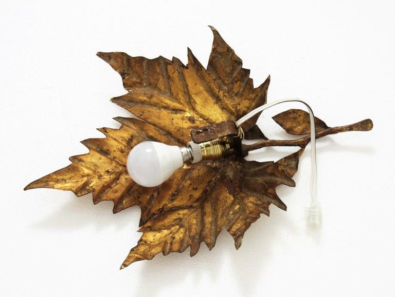 Spanish Mid-Century Modern Gold Leaf Gilt Iron Leaf Design Wall Light Fixture For Sale 11