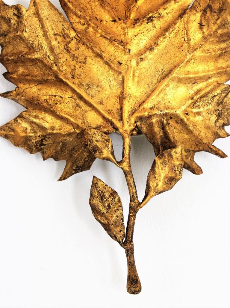 Spanish Mid-Century Modern Gold Leaf Gilt Iron Leaf Design Wall Light Fixture For Sale 3