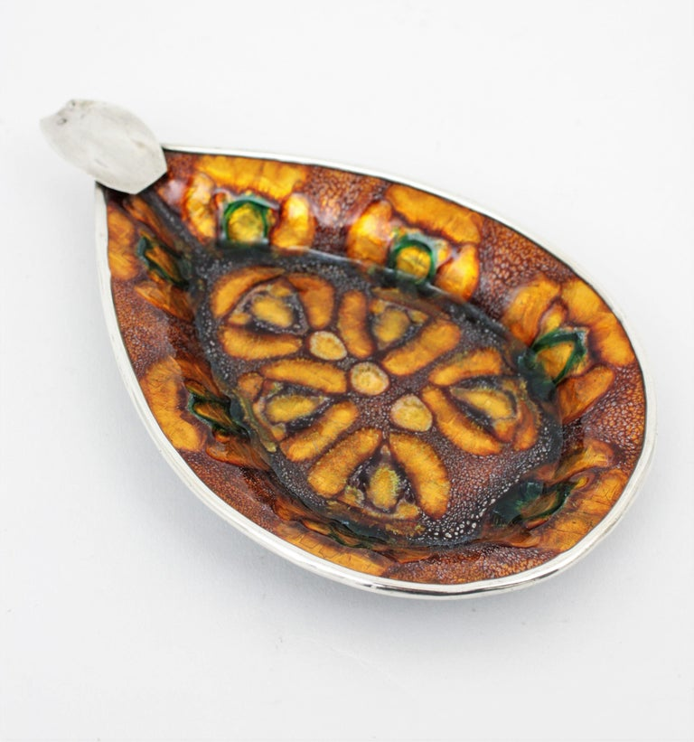 Spanish Modernist Enamel and Sterling Silver Ashtray For Sale 1