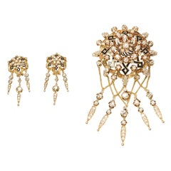 Spanish Neo Renaissance Set of Brooch and Earrings in 18 Karat Gold